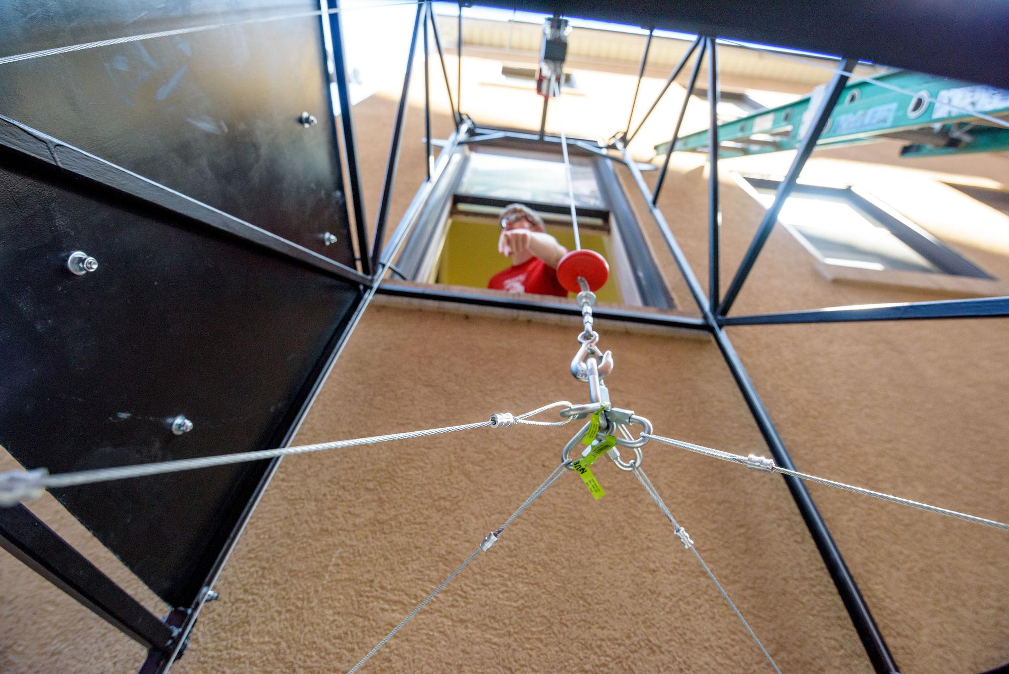 RHIT_Make_It_Happen_Food_Pantry_Lift-20991.jpg