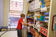 RHIT_Make_It_Happen_Food_Pantry_Lift-21035.jpg